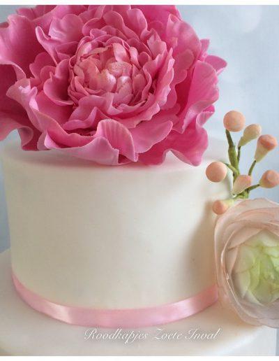 bruidstaart geregistreerd partnerschap suikerbloemen pioenroos