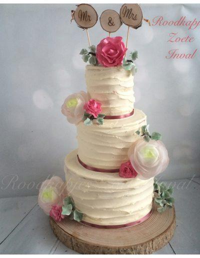 rustieke bruidstaart suikerbloemen