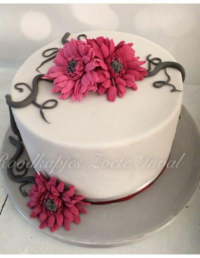 bruidstaart suikerbloemen gerbera