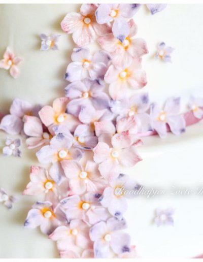 bruidstaart suikerbloemen