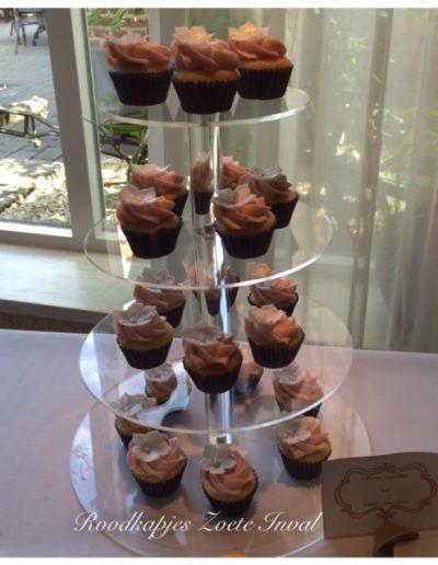 sweet table bruiloft cupcakes