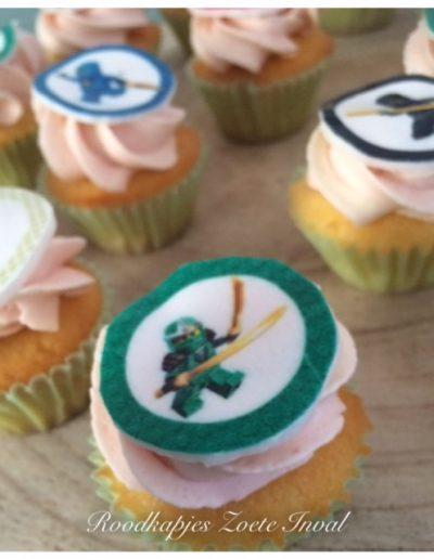 mini cupcakes sweet table