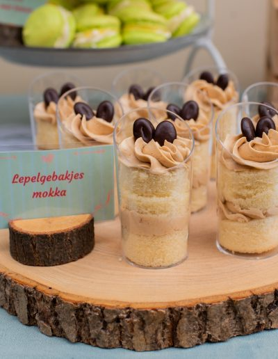 aniekfotografiestyling sweet table lepelgebakjes